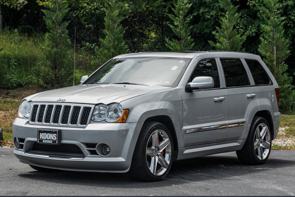 Used Jeep Srt >> A Used Jeep Grand Cherokee Srt 8 Is A Cheap Fun Really