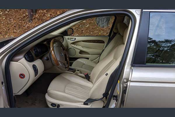Autotrader Find: 2005 Jaguar X-Type Sportwagon featured image large thumb1