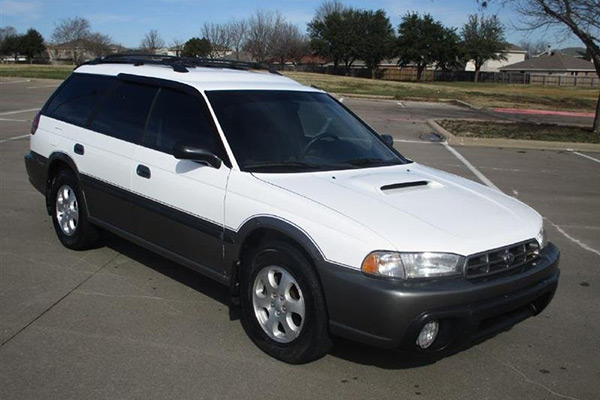 Here Are the Best-Preserved Old Subaru Models For Sale on Autotrader featured image large thumb0