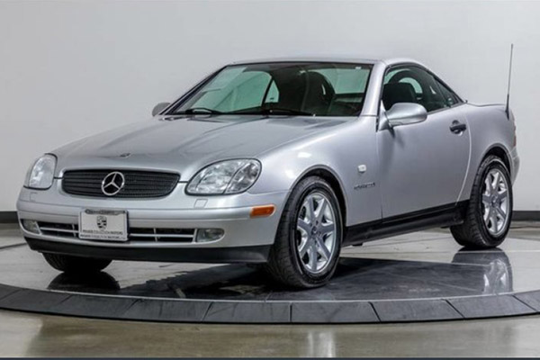 These Are the Best-Preserved 1990s Mercedes-Benz Models for Sale on Autotrader featured image large thumb0