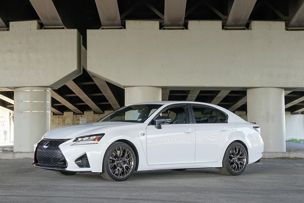 Lexus Gs F >> The Lexus Gs F Is The Last Of A Dying Breed Autotrader