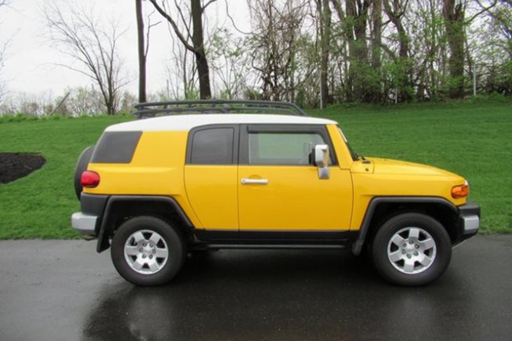 The Toyota FJ Cruiser Has Held Its Value Really Well featured image large thumb0