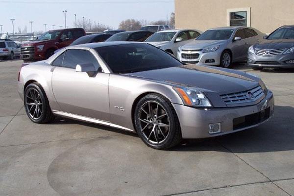 Cadillac XLR de 2004 - 3,300 milhas