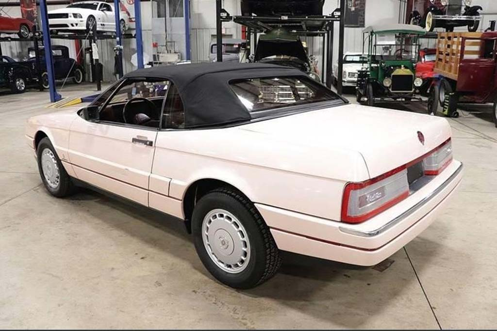 Autotrader Find: Mary Kay 1988 Cadillac Allante featured image large thumb2