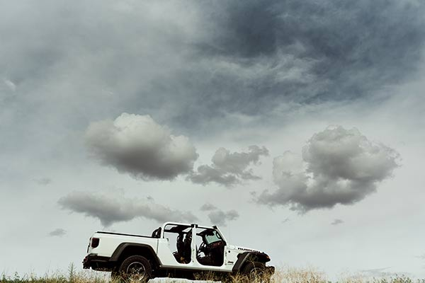The Jeep Gladiator Is Adventure Wedding-Approved featured image large thumb0