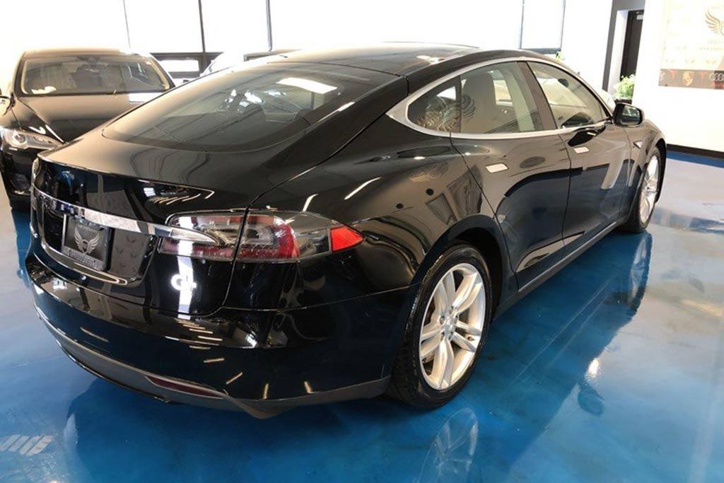 Autotrader Find: 2013 Tesla Model S For Under $27,000 featured image large thumb0