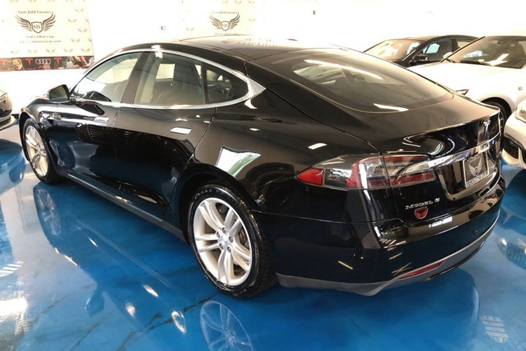 Autotrader Find: 2013 Tesla Model S For Under $27,000 featured image large thumb1