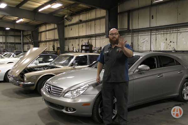 Video | 5 Things You Need On Hand When Examining a Used Car You Want to Buy featured image large thumb1