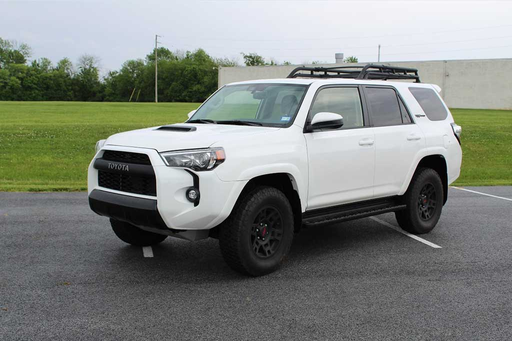 The Toyota 4Runner TRD Pro Is The Modern-Day First-Generation Land Rover Discovery featured image large thumb0