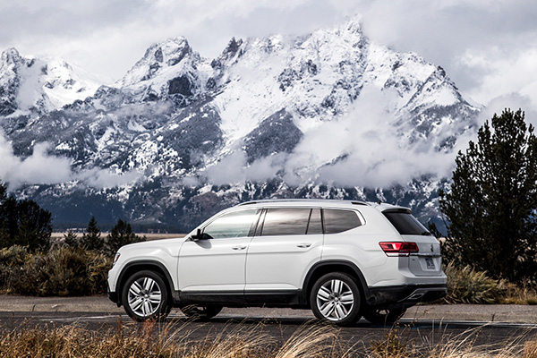 Auto Sales Dip in April As SUV Sales Sizzle featured image large thumb0