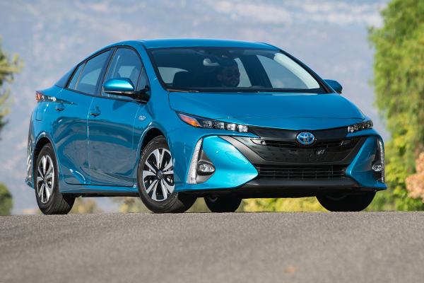 10 Great Hybrids and EVs for 2018 featured image large thumb1
