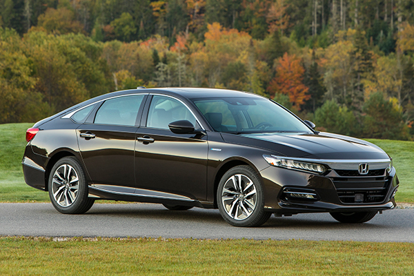 10 Great Hybrids and EVs for 2018 featured image large thumb6