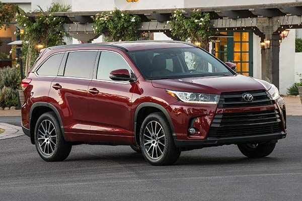 Go Back to School in Style With These Mom-Friendly SUVs and Minivans featured image large thumb4