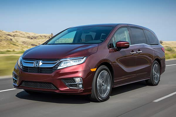 Go Back to School in Style With These Mom-Friendly SUVs and Minivans featured image large thumb3