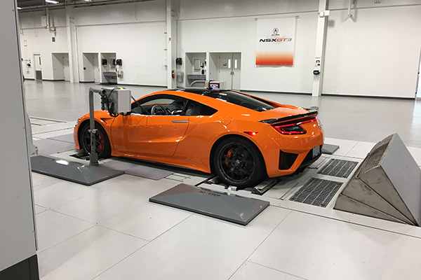 10 Cool Things About The 2019 Acura NSX featured image large thumb8