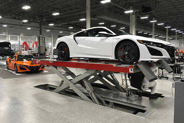 10 Cool Things About The 2019 Acura NSX featured image large thumb5