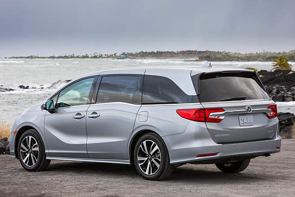 7 Outstanding Vehicles for Tailgating (including 2 Minivans!) featured image large thumb3