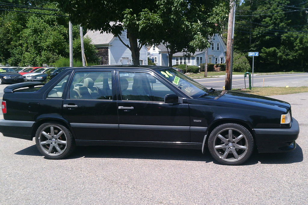 The Volvo 850R Was the Lesser-Known 1990s European Performance Sedan featured image large thumb0