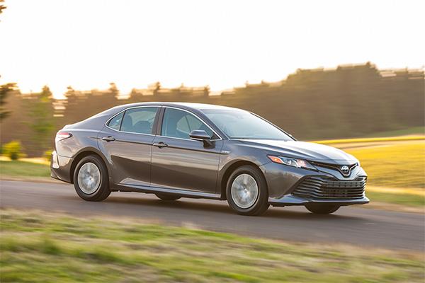 8 Toyotas That Get 30 MPG or Better for 2019 featured image large thumb4