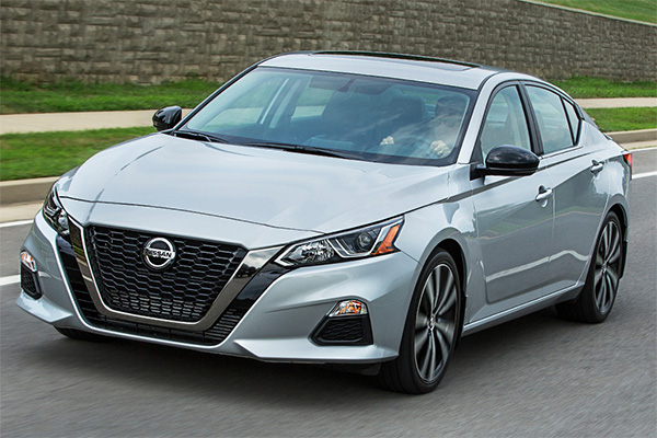 5 Nissans That Get 30 MPG or Better for 2019 featured image large thumb3