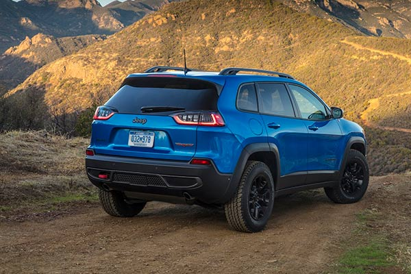 6 Trail Rated Jeeps for Going Off-Road in 2019 featured image large thumb5