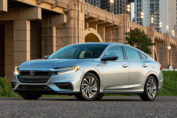 Autotrader - 8 Best Compact Cars Under $25,000 for 2019
