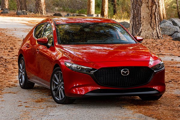 8 Best Compact Cars Under $25,000 for 2019 featured image large thumb7