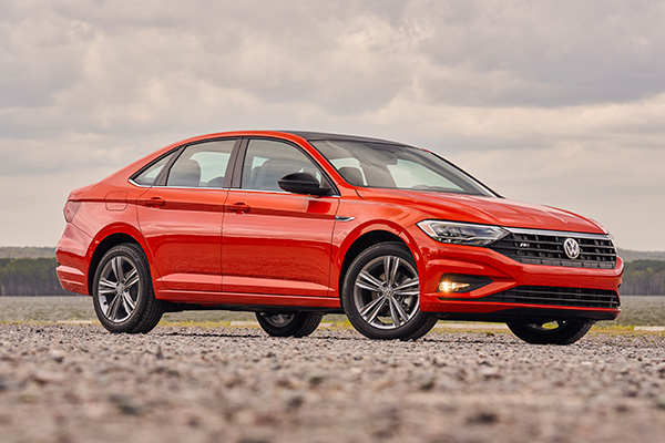 8 Best Compact Cars Under $25,000 for 2019 featured image large thumb2