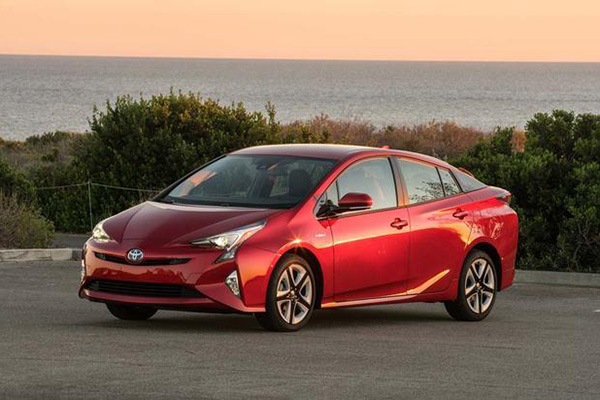 6 Great CPO Cars That Get 40 MPG or Better for 2019 featured image large thumb1