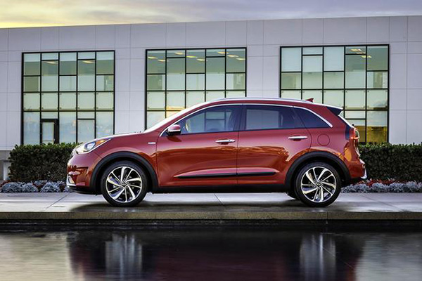 6 Great Used Hybrid SUVs Under $25,000 for 2019 featured image large thumb5