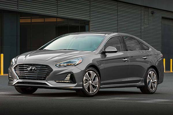 10 Most Affordable Plug-In Hybrid and Electric Vehicles for 2019 featured image large thumb10