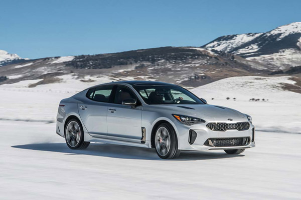 7 of the Fastest New Sedans Under $60,000 for 2019 featured image large thumb2