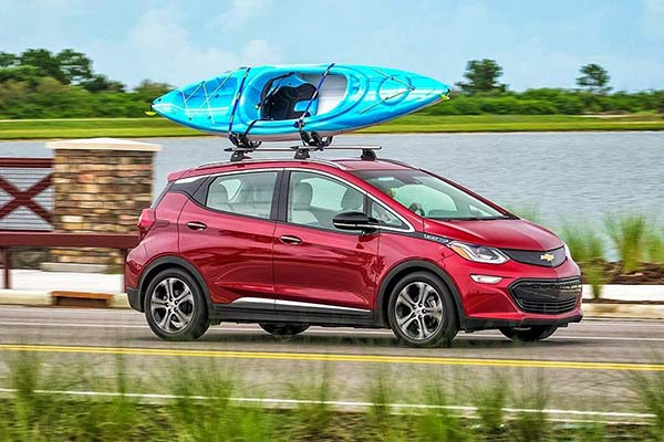 8 Great New Plug-In Hybrid and Electric Vehicles Under $40,000 for 2019 featured image large thumb1