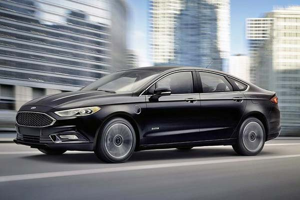 8 Great New Plug-In Hybrid and Electric Vehicles Under $40,000 for 2019 featured image large thumb4