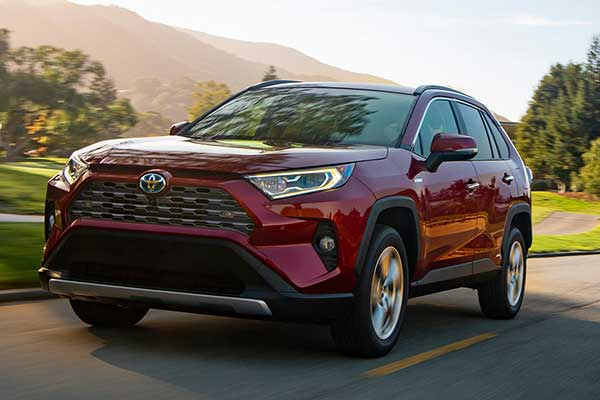 8 Great New Compact SUVs Under $40,000 for 2020 featured image large thumb8