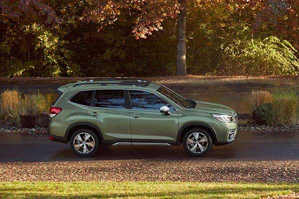 8 Great New Compact SUVs Under $40,000 for 2020 featured image large thumb7