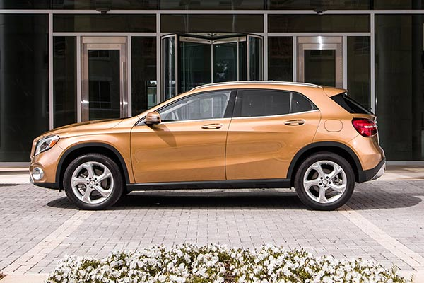 The Top 8 Used Luxury SUVs Under $30,000 for 2019 featured image large thumb7