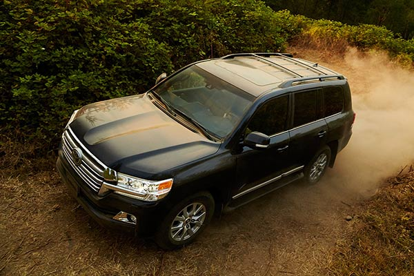 Top 7 Luxury SUVs From Non-Luxury Brands for 2019 featured image large thumb7