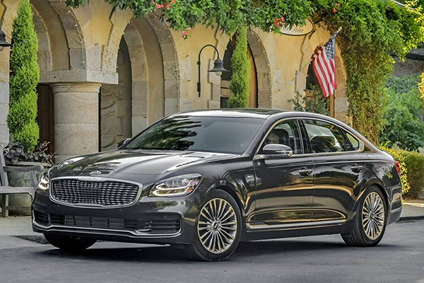 Top 6 Luxury Cars From Non-Luxury Brands for 2019 featured image large thumb3