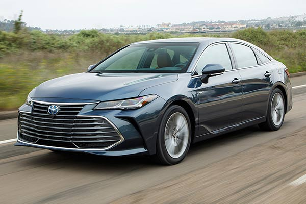 Top 6 Luxury Cars From Non-Luxury Brands for 2019 featured image large thumb5