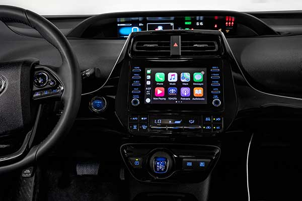 5 Car Tech Features You'll Want on Your Spring Break Road Trip featured image large thumb1
