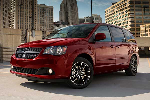 5 Great Used Minivans Under $30,000 for 2020 featured image large thumb2