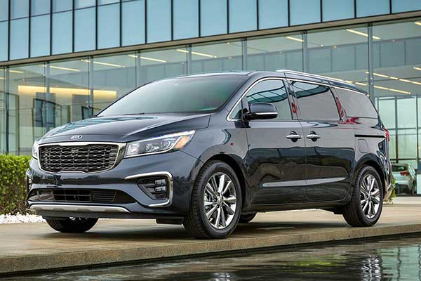 5 Great Used Minivans Under $30,000 for 2020 featured image large thumb4
