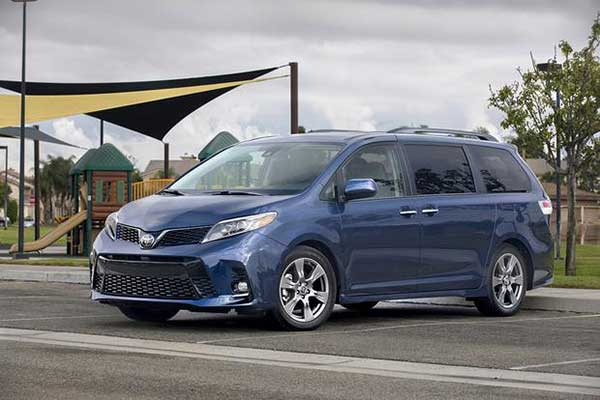 5 Great Used Minivans Under $30,000 for 2020 featured image large thumb5