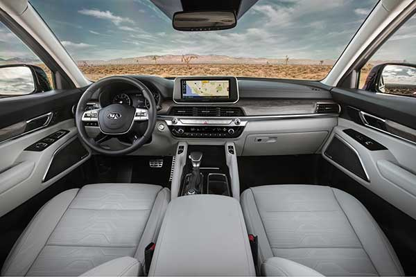 10 Best Car Interiors Under $50,000 for 2020 featured image large thumb7