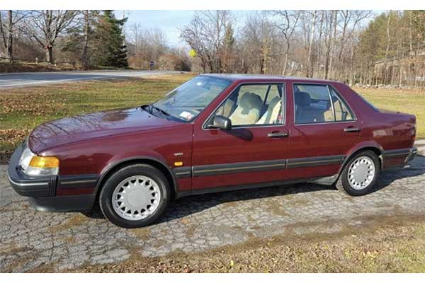 5 Low-Mile Saabs For Sale On Autotrader featured image large thumb0