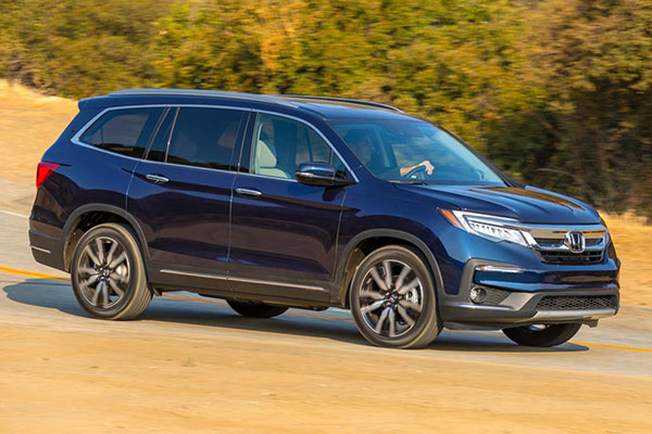 SUVs Available With Second-Row Captain's Chairs for 2020 featured image large thumb9