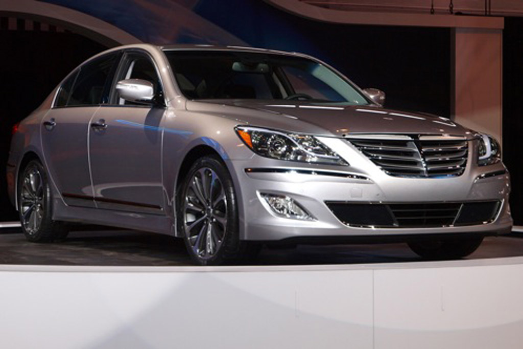 Hyundai Genesis R Spec >> 2012 Hyundai Genesis 5 0 R Spec Chicago Auto Show Autotrader