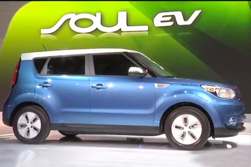 2015 Kia Soul EV: Chicago Auto Show - Video featured image large thumb1