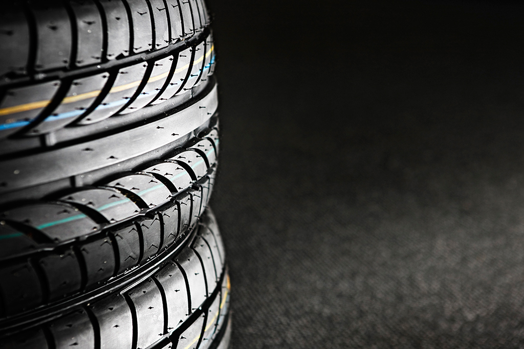 How to Buy Tires featured image large thumb0
